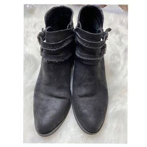 Carlos size 8M Black Ankle boots
